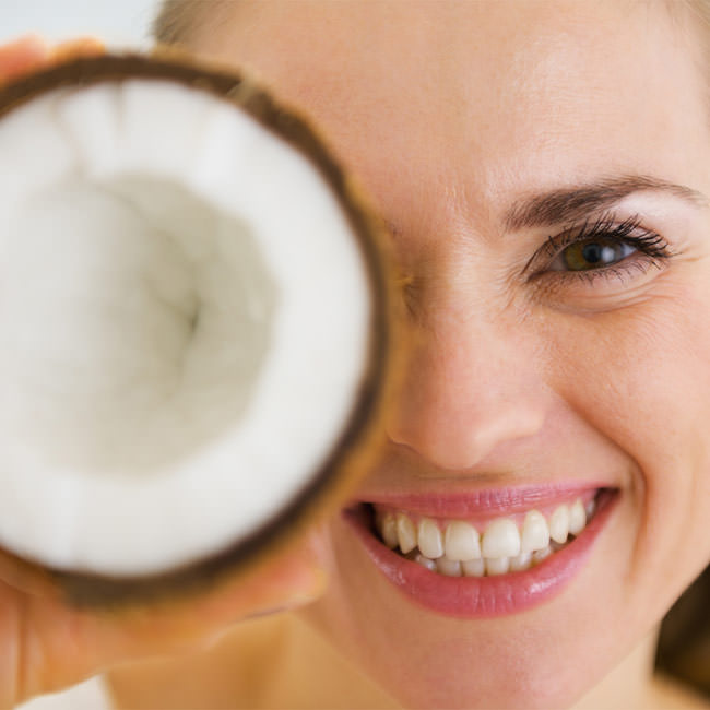 Benefits of coconut oil for teeth whitening